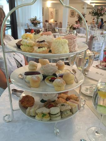 Tea & Niceties: High Tea - Amazing Food