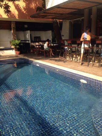 Base villa photo0 jpg