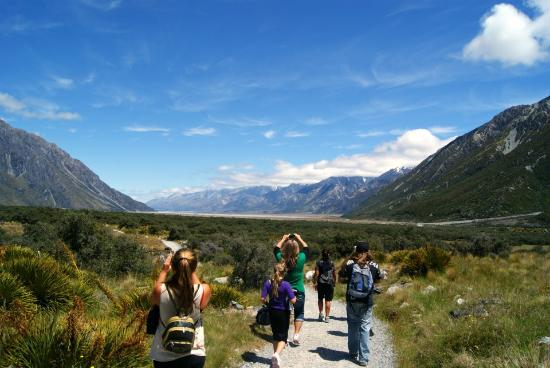 Aoraki Mount Cook National Park (Te Wahipounamu), Neuseeland: Walking strip to glacier lake