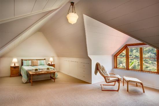 hunky s homestead luxurious master bedroom ensuite with ocean rh tripadvisor co za