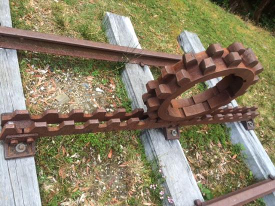 Strahan, Australia: Rack and pinion unique to the Abt trains