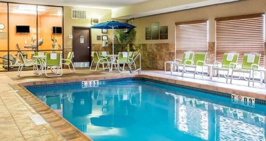 Lakewood, CO: Indoor heated pool
