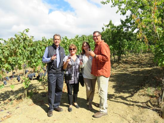 Montalcino, Italien: We enjoyed sipping our wine in his vineyard.