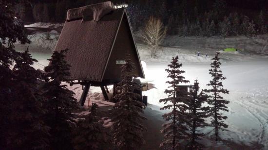 Kintla Lodge: lift # 3 just steps away !!!!