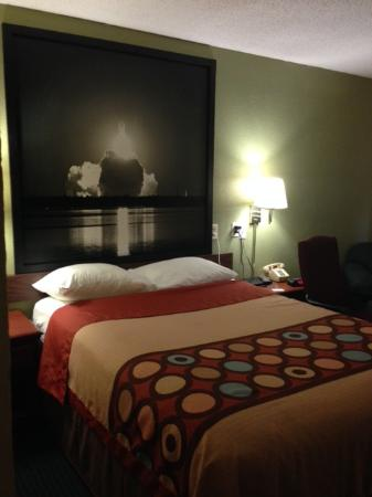 Super 8 Warner Robins: Upgraded Room