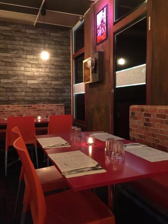 Amigo's Mexican Restaurant: Setting