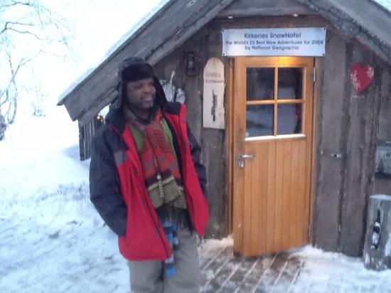 Snowhotel Kirkenes: The Bar Cabin