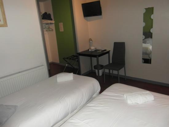 Tournus, ฝรั่งเศส: chambre lits jumeaux