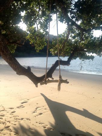 Khuraburi, Ταϊλάνδη: Hanging on the beach.