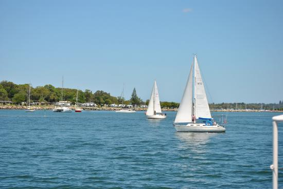 Yamba, Australia: Sailing boats in the mouth of the Clarence River