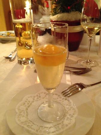 Hippach, Austria: Prosecco z sorbetem mango