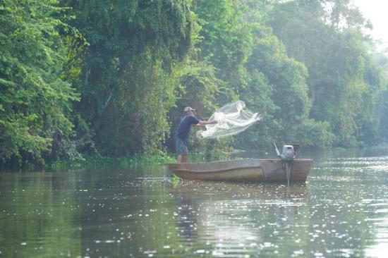 Район Кинабатанган, Малайзия: Traditional life on the river.