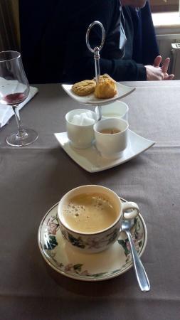 Fosses-la-Ville, Belgia: café en supplément