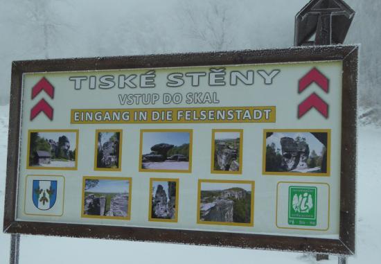 Tisa, Repubblica Ceca: Информационный щит в начале маршрута возле костёла Св. Анны