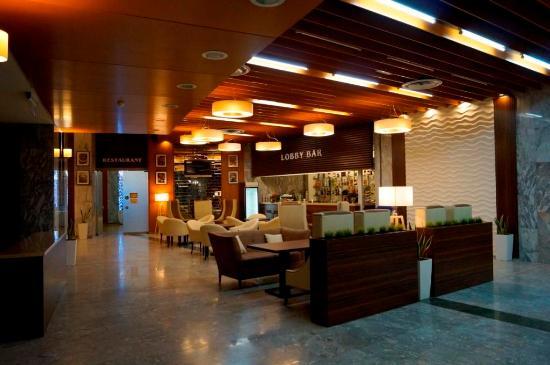 Hotel Karavella: Лобби-бар