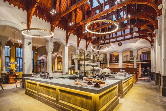 Leeuwarden, The Netherlands: Grand Café Post-Plaza