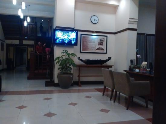 Hotel Bumi Sawunggaling : Lobby