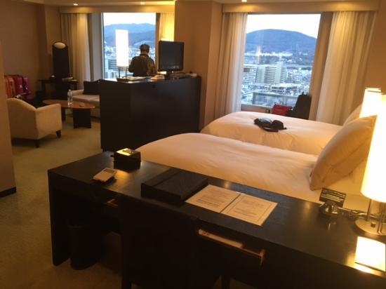 Hotel Granvia Kyoto: BIG room