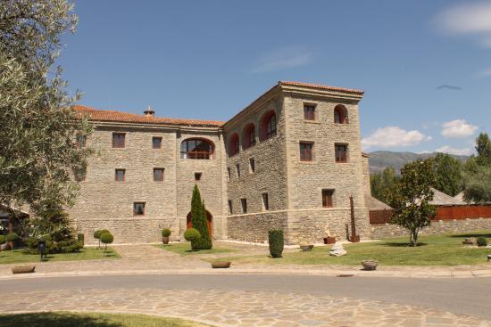 Boltana, España: Entrada del hotel