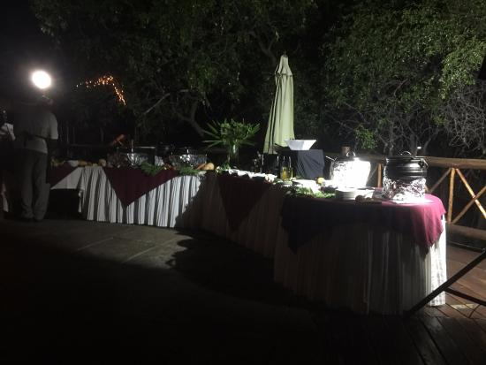 Marloth Park, Sydafrika: Traditional Dinner Buffet, Was Awesome!
