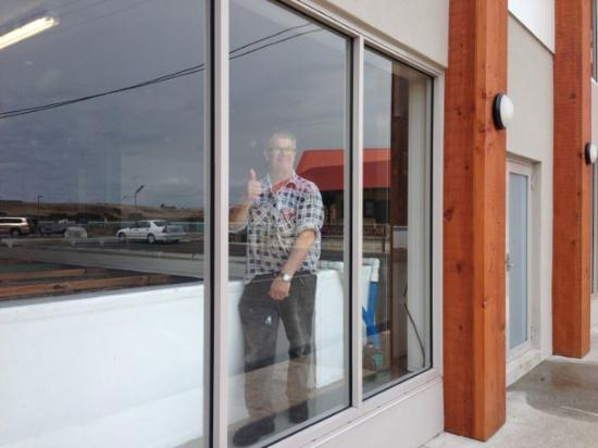 Stanley, Australia: It was refreshing to see owner, Mark Hursey, on site, watching over the fish.