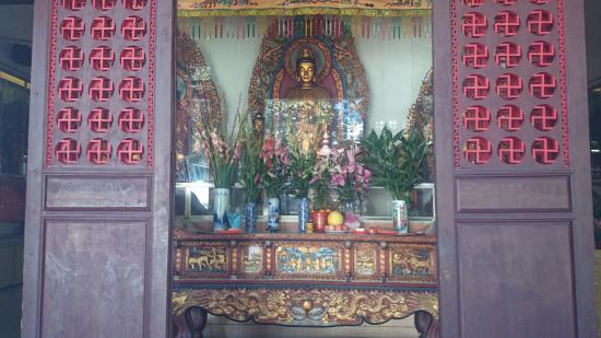 Dajian Temple : Praying for Buddha