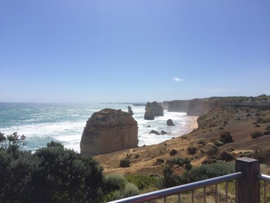 Warrnambool, Australia: Beautiful bay view for free entrance! Better be there when sunny day, cause the wind will tear y