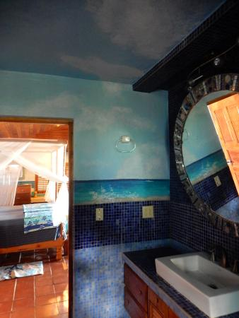 Corn Islands, Nicaragua: Beautiful bathroom of beach suite
