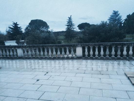 Saint Christol Les Ales, Francia: Une magnifique demeure, idéal pour une nuit romantique notamment avec le joli lit à baldaquin, l