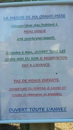 Robion, Francia: La Maison de ma Grand-Mère Table d'hôte