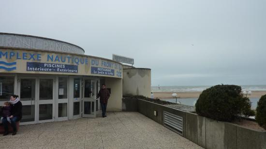 Jardin De La Mer : Entrée Du Restaurant Et Du Complexe Nautique
