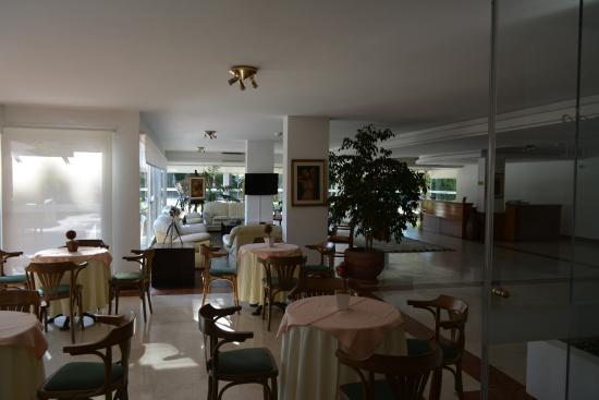 Salto Grande Hotel: Hall de ingreso al Hotel.