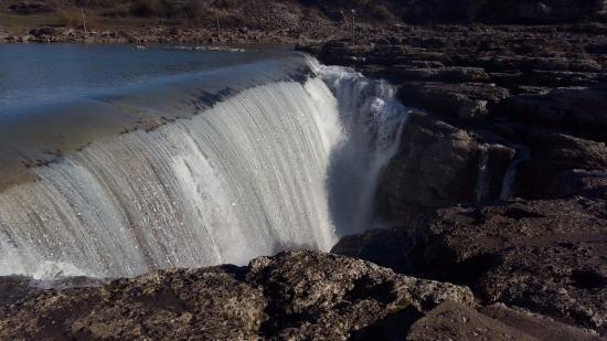 Gemeente Bar, Montenegro: Niagara waterfall near Podgorica