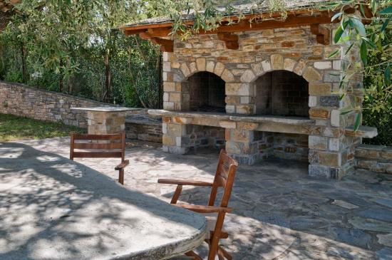 barbecue and communal outdoor dining picture of camping sikia rh tripadvisor co uk