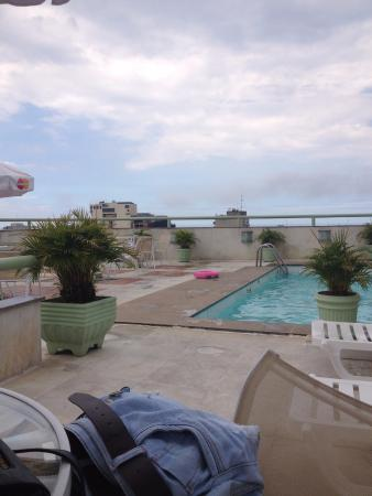 Benidorm Palace Hotel: Uma área gostosa e logo à frente, o mar de Copacabana.