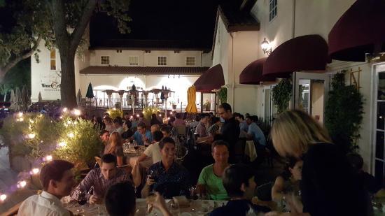 Los Gatos, CA: Cenando con el grupo!