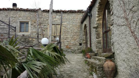 Montalbano Elicona, Италия: 20160207_151514_large.jpg