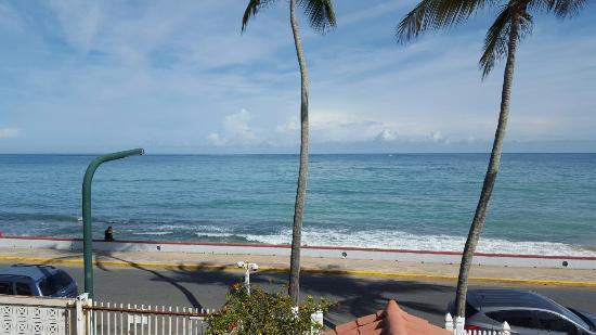 Tres Palmas Inn: 20151009_091713_large.jpg