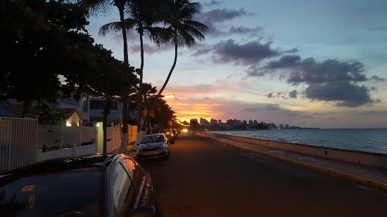 Tres Palmas Inn: 20151006_182243_large.jpg