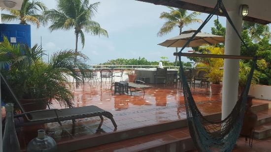 Tres Palmas Inn: 20151007_100316_large.jpg
