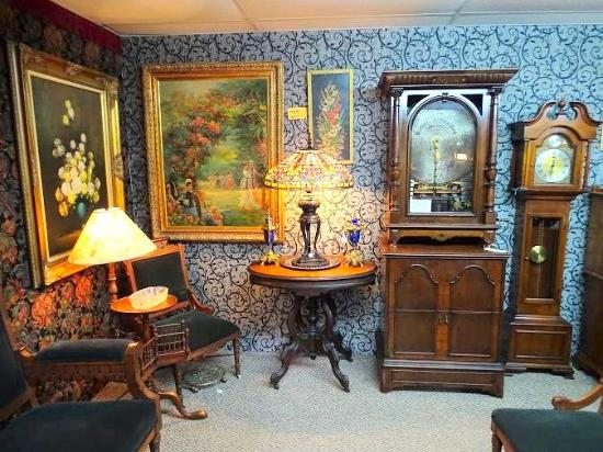 Estate Antiques & Collectibles