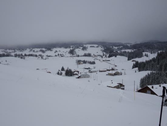 La Trace Chambre et Table d'Hote : jour de neige environs dela Trace