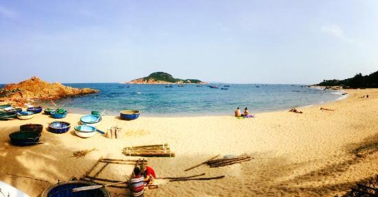Quy Nhon, Vietnam : Fantastisch uitzicht! Hostel ligt direct aan het strand.