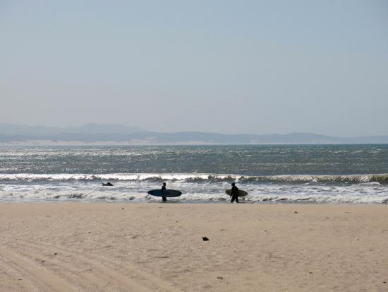 Dolphin Beach: As ondas em setembro são mais fracas
