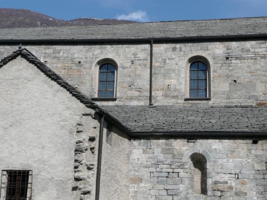 Collegiata di San Vittore: Fassade