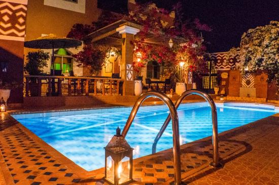 Le Petit Riad: piscine