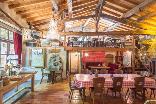 Ombleze, فرنسا: Le restaurant