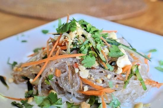 Bocadillos - Tapas Kitchen & Bar: Thai Noodle Salad