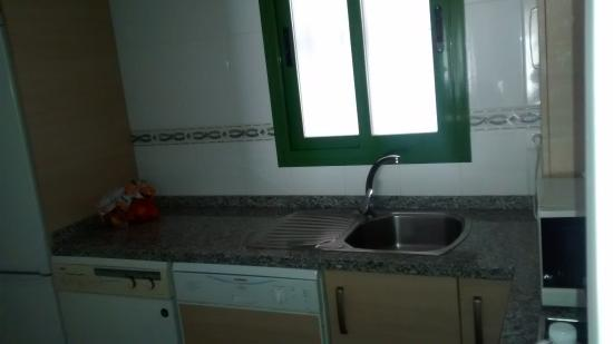 Pueblo El Goleto Aparthotel: Cocina 2