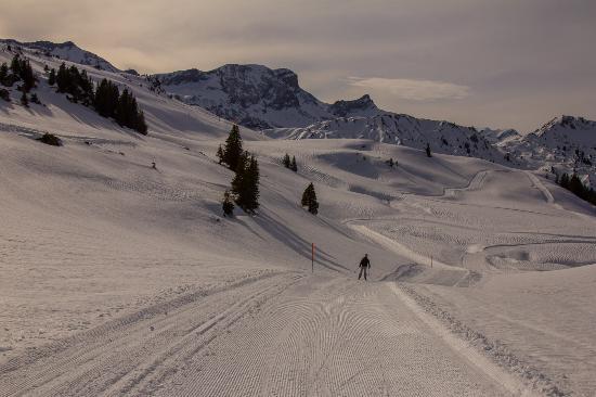Lenk-Simmental, Suiza: Wunderschöne Umgebung zum Langlaufen